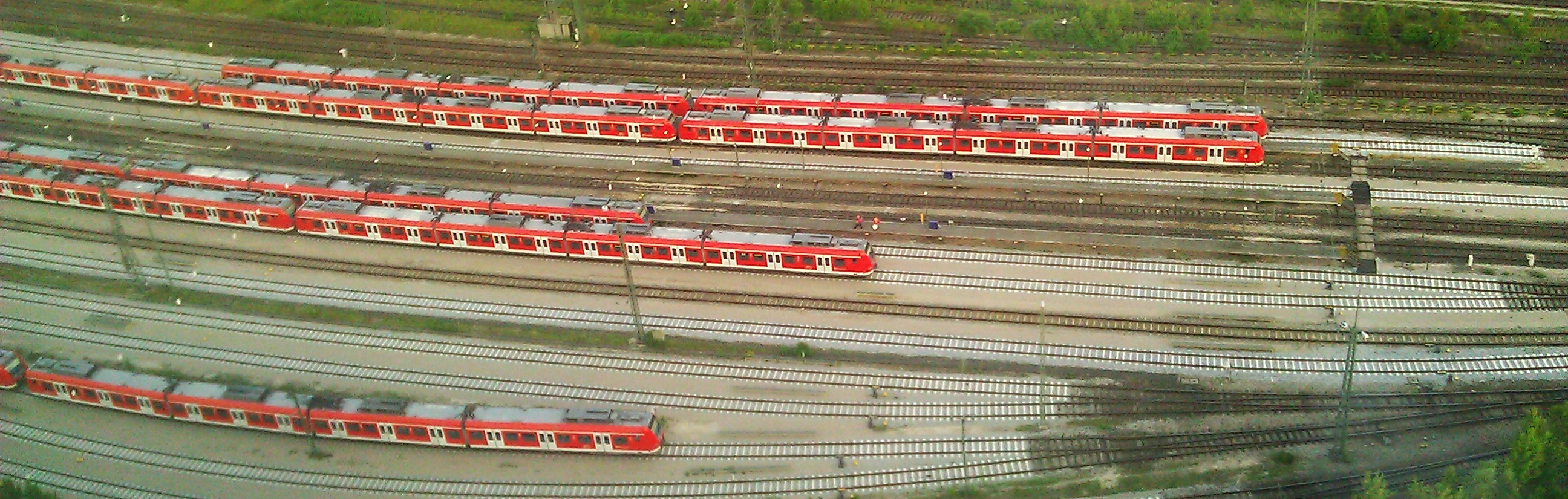 S-Bahnen aus dem 26. Stock