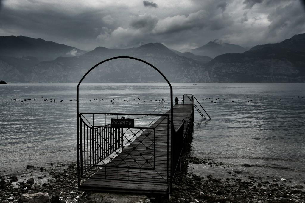 An der Uferpromenade des Gardasee in Malcesine, ca. 14 Uhr