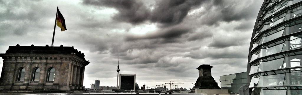 Es braut sich was zusammen: re:publica vom Reichstag aus gesehen