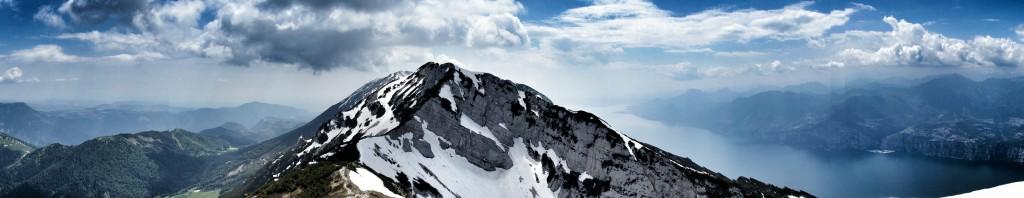 Blickrichtung Süden: Leider diesmal unerreichbar: der Gipfel. Dafür entschädigte das Panorama und das Wetter.