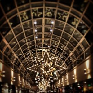 Olympia-Einkaufszentrum: Weihmachtsdeko durch den Instagram-Filter