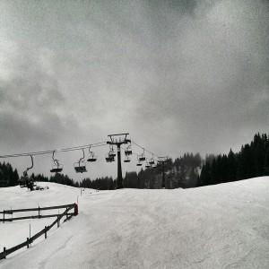 Wolken und Nebel bedeuten nicht automatisch ein schlechtes Skierlebnis.