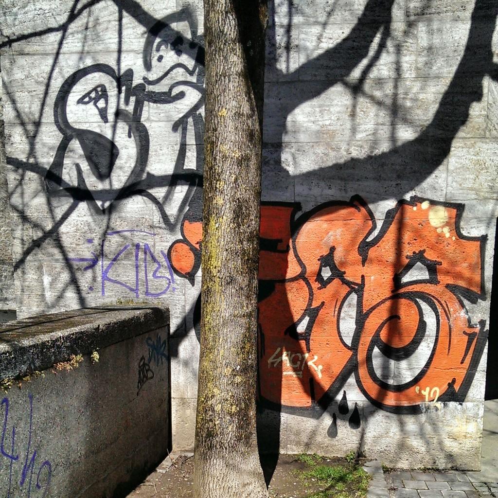 Baum integriert: Graffiti.integriert: Graffiti.