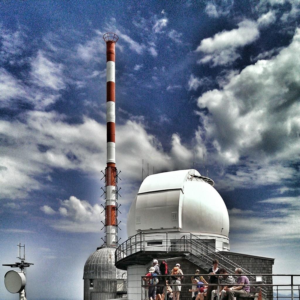 Höher ist nur der Mast: Wendelstein Gipfel