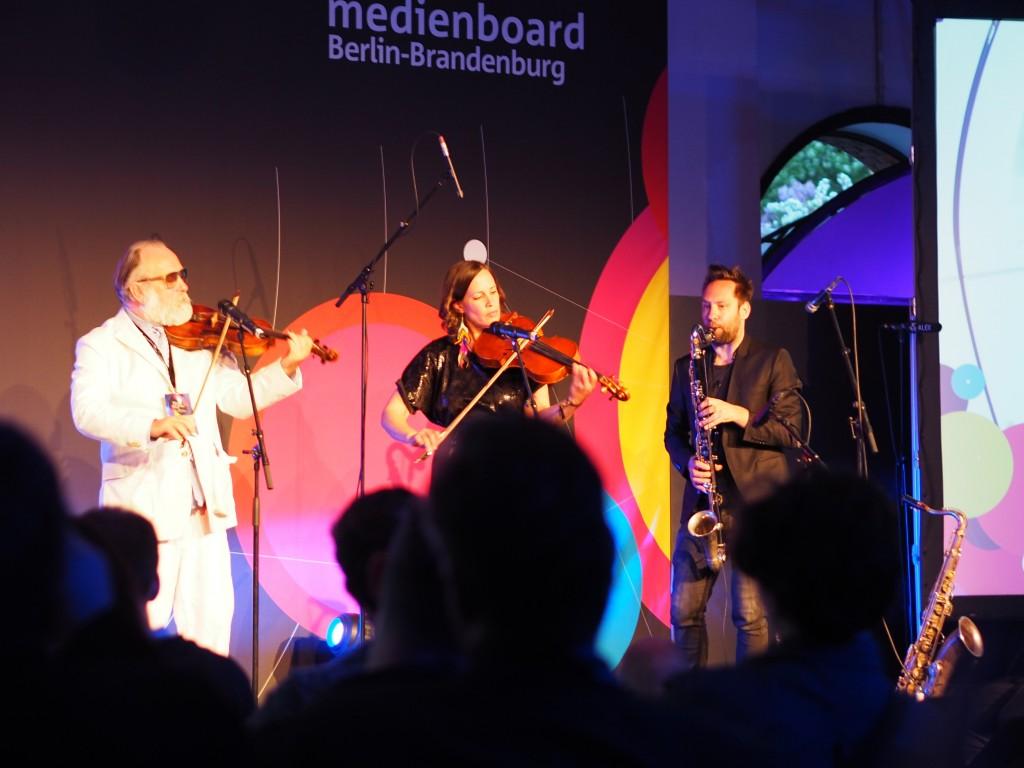 Angenehme Session: Friedrich Liechtenstein live, eine Form von positiver Melancholie. Sehens- und Hörenswert-