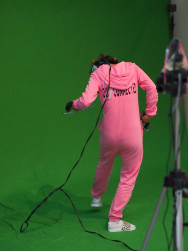 Rosa Schlafanzug ist sicher gute Werbung für virtuelle Realität...