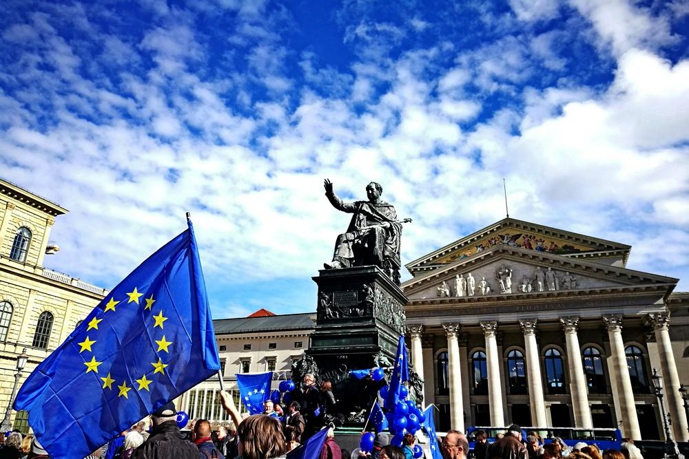 Ob blau-gelb eine Erfolgsformel bleibt: hoffentlich, unter weiß-blauem Himmmel mit #PulseofEurope