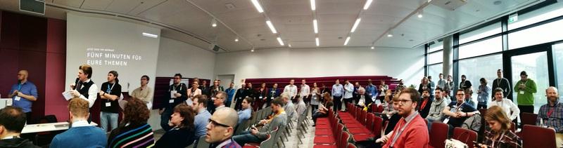 Erfolg des Barcamp München: Ungefähr die Hälfte der Teilnehmer stellte eine Session vor.