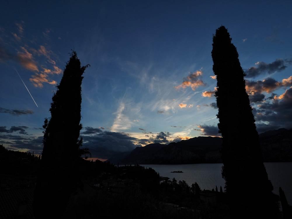 Gardasee Blick von Malcesine Richtung Tremosine