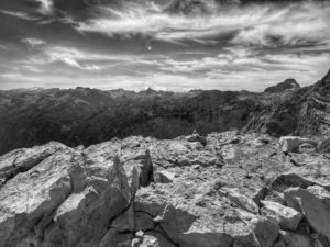 Blick vom Gipfel des dritten Watzmannkindes Richtung Steinernes Meer.